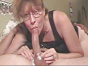 Dilettante Milf Gives A Deepthroat To Disappear For !