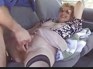 Outside older lady likes Dogging